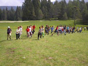 divertimento al campo estivo bambini